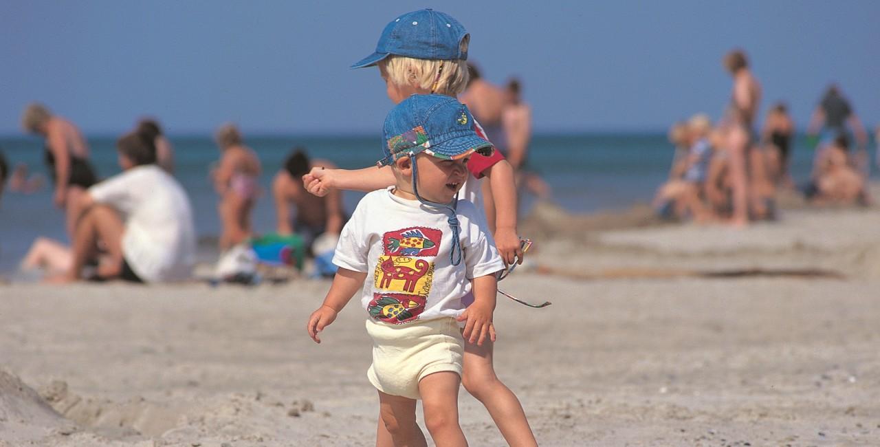 to born paa stranden