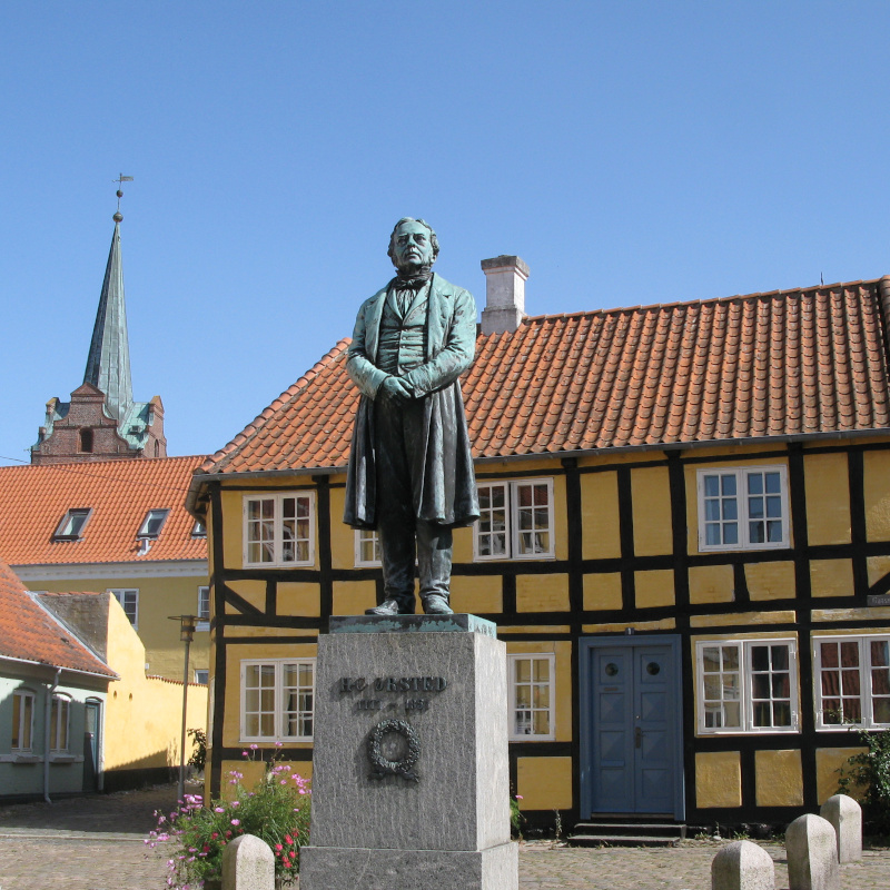 hc_oersted_statue_rudkobing